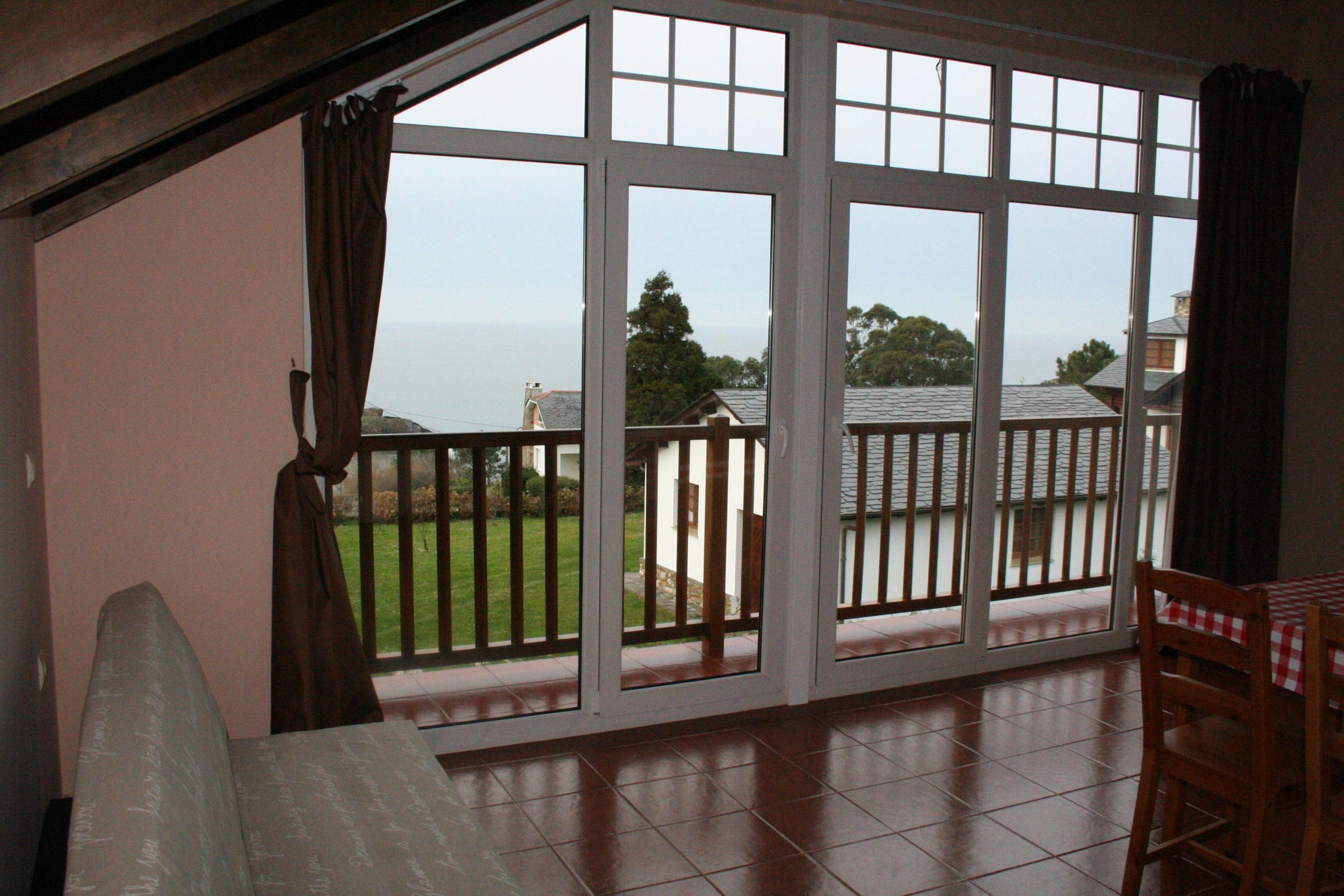 12-Loft planta alta con balcón